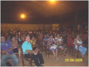 Assembleia na quadra do Colégio Teresa de Oliveira