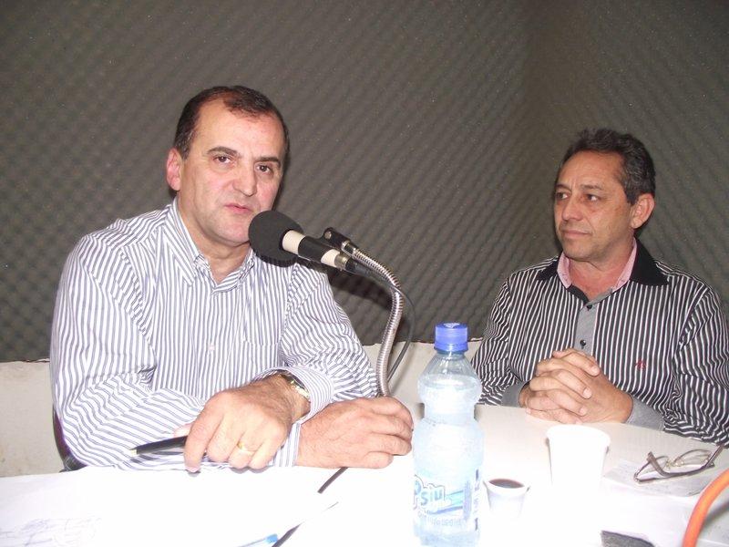 Cládio Azevedo durante entrevista à Rádio Portal FM