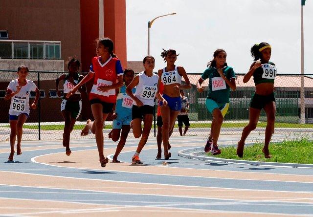 Foto 1 - Atletismo nos JEMs