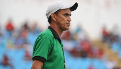 treinador Marlon espera por mais um atacante para o elenco.