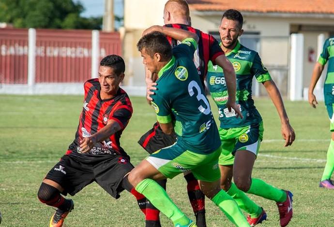 Cordino e Moto Club fizeram duelo na tarde deste sábado, no Estádio Leandrão (Foto: Weliandrei Campelo )